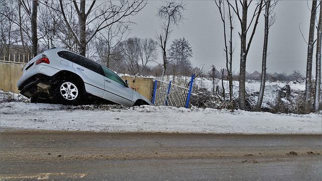 vybourané auto